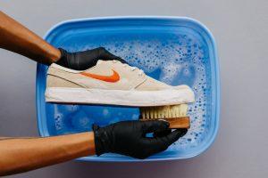 Utilisation de détergent / savon et eau
